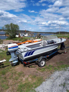 15 FT. Aluminum Welded Boat With Trailer and Motor