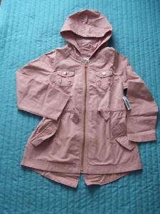 NEUF AVEC ÉTIQUETTE: Manteau de printemps 6-7 ans