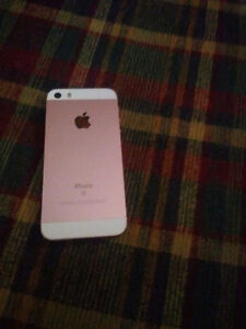 Excellent condition iphone se rose gold