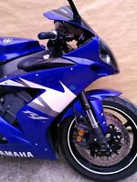 2 YAMAHA R1 2005 ALMOST COMPLETE WILL PART IT OUT 5000MI