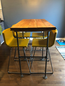 Condo Size Bar Top Dining Table & Chairs