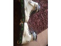 Inline roller blades size 11. £20