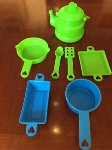 Hasbro Romper Room Raggedy Ann Kitchen Stove Accessories