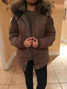 WINTER JACKET FOR SALE (NUMERO SMALL) West Island Greater Montréal image 3