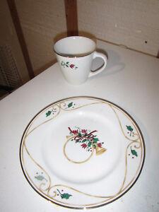 8 Dessert Plates/Mugs Veranda PRINCESS HOUSE Holiday Accent -