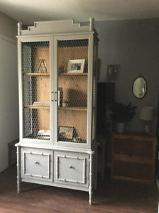 FREE DELIVERY-  GORGEOUS Vintage Hutch/Armoire/Cabinet