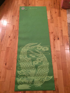 Green Yoga Mat with plug in speaker