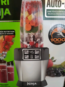 """Wow!!ONLY $69*...""""Brand New"""" in its Box Ninja Smoothie Machine!!"""
