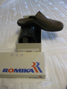 MENS ROMIKA BROWN SUEDE SLIDES, NEW IN BOX