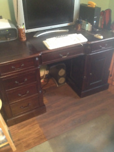 Antique Mahogany Finish Leather Top Executive Desk FOR SALE