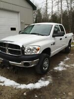 2008 Dodge Ram 2500  4x4 only 93000 km trade ins welcome