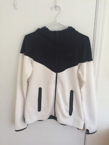 Hardly Worn Mint Condition Nike Hoodie