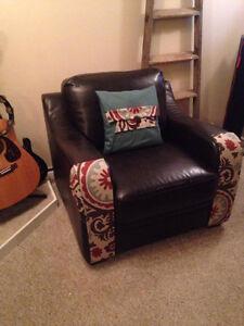 Brown leather chair Kitchener / Waterloo Kitchener Area image 1