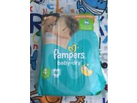 Pampers nappies size 4