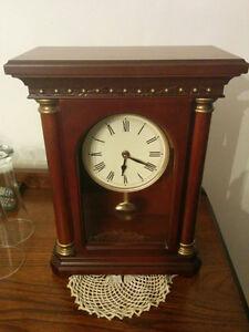 Horloge a pendule Bombay (de style antique)