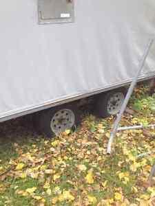 Remorque tandem fermé 8.4x12x5.4pi de haut(meilleur prix du net) Saguenay Saguenay-Lac-Saint-Jean image 2