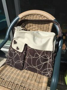 Bily diaper bag/ sac a couches( excellent condition)