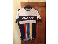 Giant cycle top
