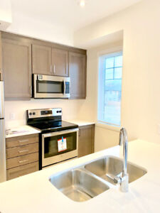 Gorgeous new house in Ancaster for rent, Hamilton / Highway 403