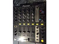 Pioneer djm 700k mixer in near mint condition