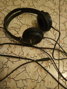 Sony headset/headphone. check my other ad