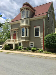 Newly renovated 2 bed home in Old Town Lunenburg