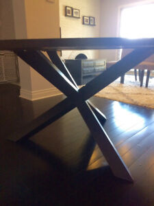Round solid wood dinning table with 4 grey Chairs