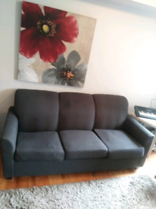 Elegant couch (sold, pending pickup)