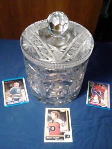 CRYSTAL COOKIE JAR / CANDY HOLDER MINT CONDITION