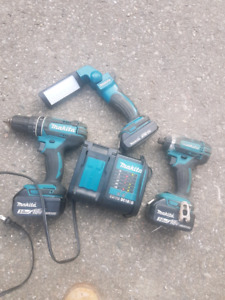 Hammer drill/driver flash light combo