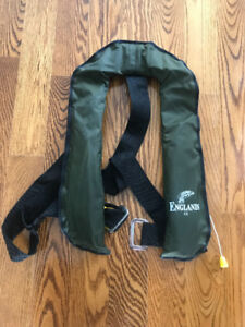 """""""Englands1"""" Professional Life Vest - perfect for fishing"""