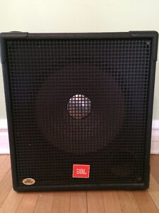 Bass Guitar/Guitar Speakers 2 JBL MR 815