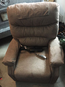 PRIDE - LIFT CHAIR - Practically NEW - 2 Months old  GREAT BUY