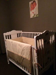 Crib ensemble and wall hanging