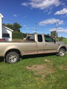 1999 Ford selling for parts