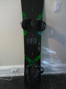 BURTON CUSTOM X SNOWBOARD W/ BINDINGS