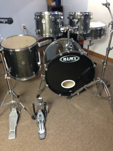 MOVING !! *PRICE DROPPED* As NEW Mapex Horizon HX