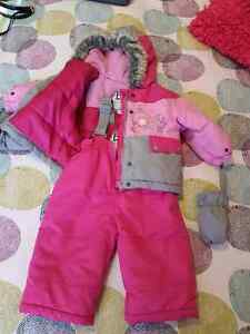 Girl snow suit with mittens Gatineau Ottawa / Gatineau Area image 1