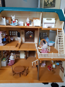 Sylvanian Family with house and all you need!