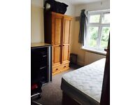 Double room in Egham close royal Holloway 645 per month