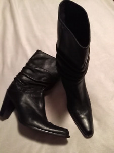99a99b625 Slouch Boots | Kijiji in Ontario. - Buy, Sell & Save with Canada's ...
