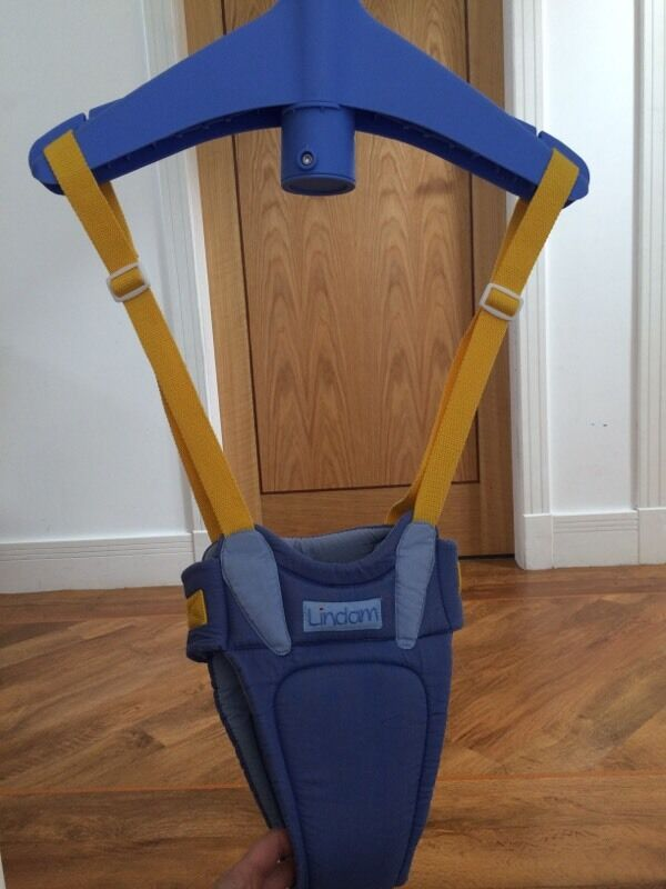 Door bouncer lindam in blue yellow only 3 in aberdeen for Door jumperoo