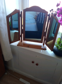 Table top mirror £2