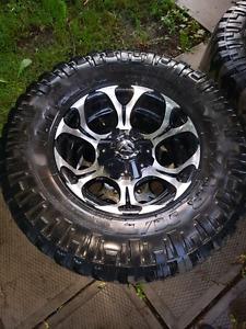 """Fuel Dune 17"""" Rims & Tires"""