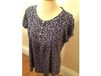 H&M navy white floral top XL as new
