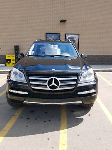 EXCELLENT CONDITION 2011 MERCEDES-BENZ GL 550 4MATIC