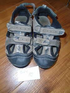 Sandals  size 10      $10 Very good condition ***