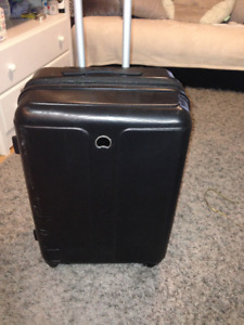 Luggage Medium Delsey - used just once!