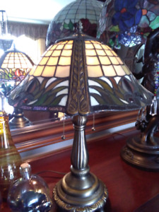 Tropical inspired tiffany table lamp lampe