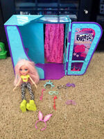 Bratz photo booth, doll and accessories